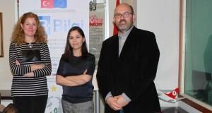 Presenta AB-Bilgi Embajada de Turquía